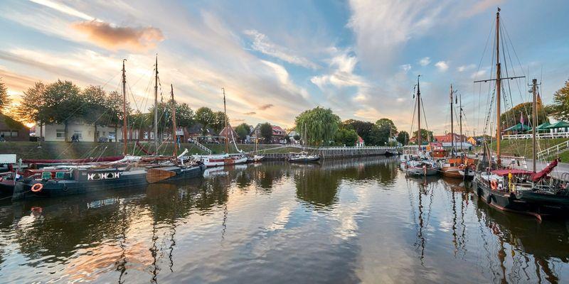 Sonnenuntergang am alten Hafen Carolinensiel